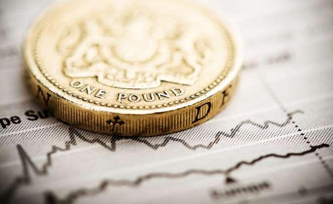 Times: Ένας στους τρεις βρετανούς δισεκατομμυριούχους τοποθετεί την περιουσία του σε φορολογικούς παραδείσους