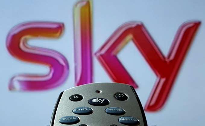 """Η Comcast """"κέρδισε"""" τον αγώνα για την απόκτηση της Sky"""