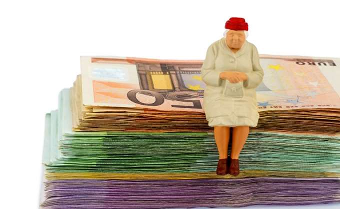 """Νέο """"αναδρομικό"""" αδιέξοδο στο συνταξιοδοτικό"""