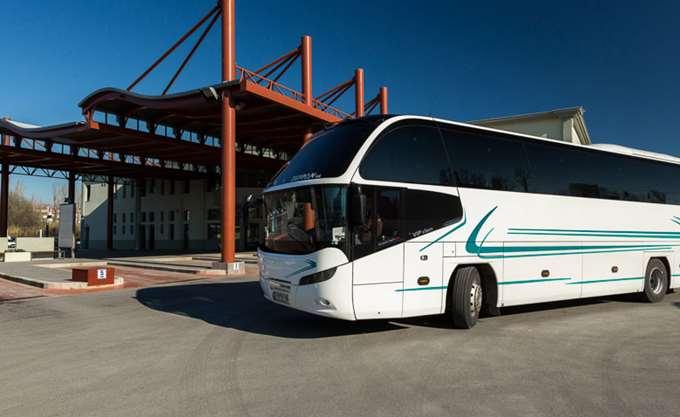 Ανατροπή λεωφορείου των ΚΤΕΛ στη Δράμα