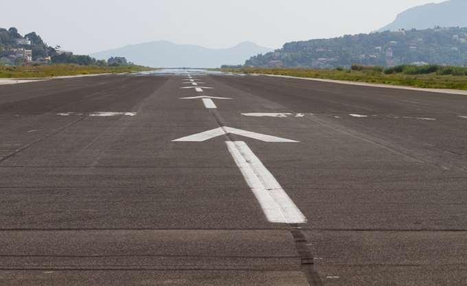 Ryanair: Κλείνει τη βάση στα Χανιά
