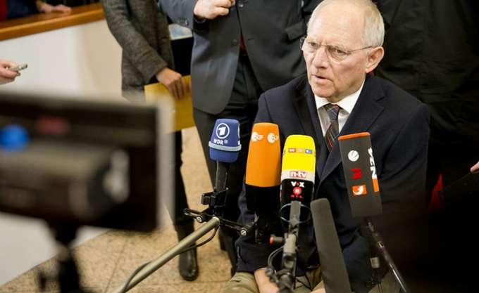 """Ερωτήματα με βαριές """"κατηγορίες"""" από Σόιμπλε για ΕΚΤ – stress test"""