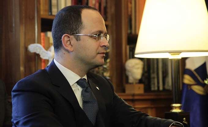 """Ο Αλβανός ΥΠΕΞ προκαλεί Κοτζιά: Θα μιλήσουμε και για """"Τσαμουριά"""""""