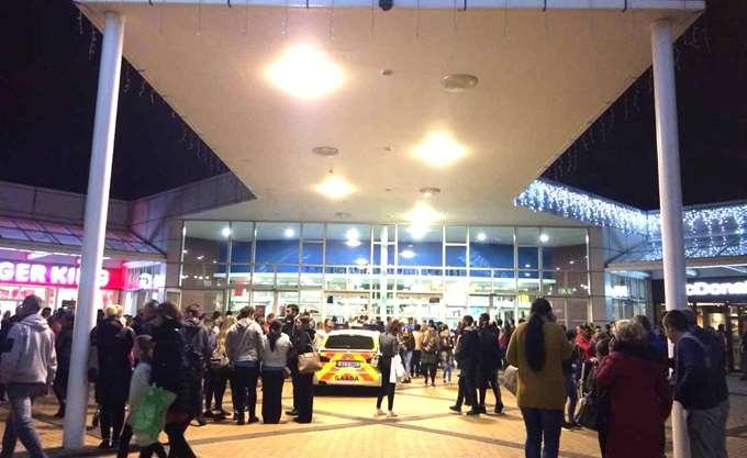 Ένοπλος σε εμπορικό κέντρο στο Δουβλίνο - εκκενώθηκε η περιοχή