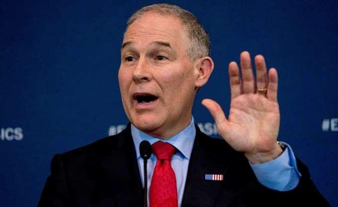ΗΠΑ: Πολυτελή ζωή για τον υπουργό Περιβάλλοντος, με τη στήριξη του Τραμπ