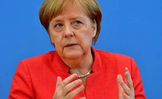 """Το 89% των Γερμανών αμφισβητεί την ηγετική ικανότητα της Μέρκελ στην """"υπόθεση Μάασεν"""""""