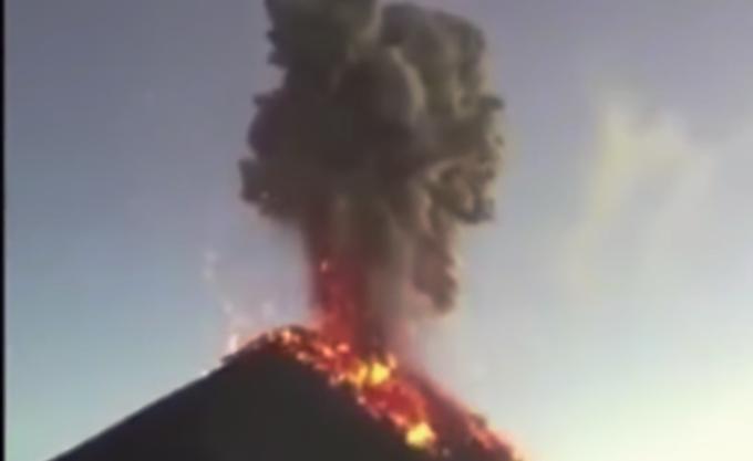 Γουατεμάλα: Το ηφαίστειο Φουέγο μπήκε σε νέα φάση έκρηξης, για πέμπτη φορά φέτος