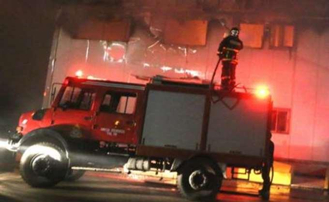 Ένας νεκρός από πυρκαγιά σε μονοκατοικία στην Πάτρα