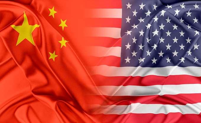FT: ΗΠΑ και Κίνα έχουν επιλύσει τα περισσότερα εμπόδια στην εμπορική τους διαμάχη