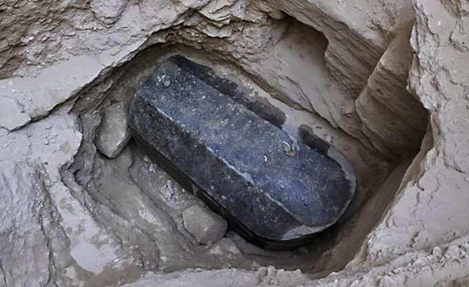 Αρχαία σαρκοφάγος ανακαλύφθηκε στην Αλεξάνδρεια της Αιγύπτου