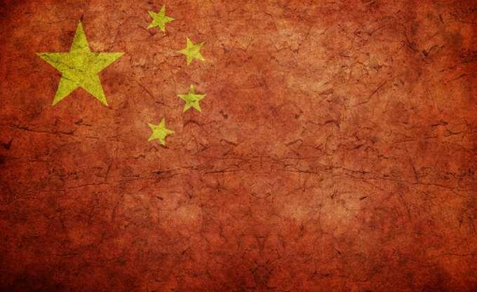 """Το Πεκίνο """"χειροκροτεί"""" το """"θάρρος"""" των Κιμ και Μουν"""