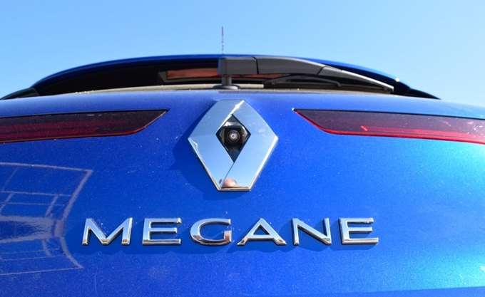 Renault: Θα προσλάβει επιπλέον 1.400 εργαζόμενους έως το 2019