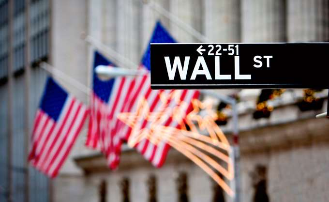 Wall Street: Από τις -200 στις +200 μονάδες ο Dow Jones