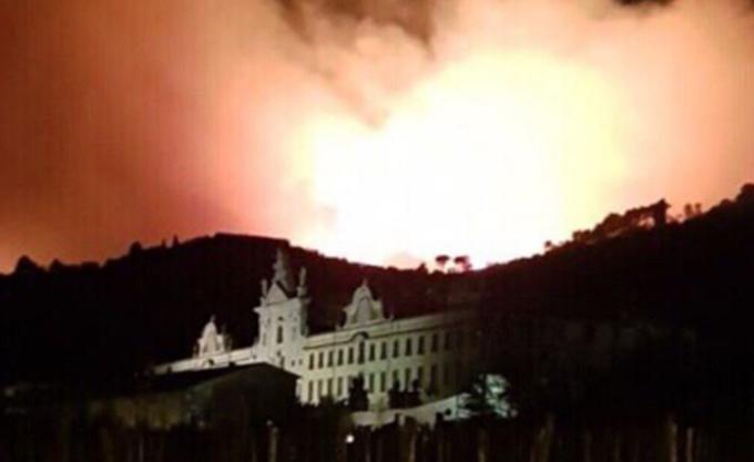 Ιταλία: Μεγάλη πυρκαγιά στην Τοσκάνη, 500 άνθρωποι απομακρύνθηκαν από τα σπίτια τους