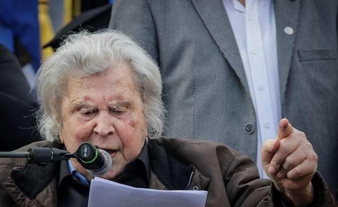 Μίκης Θεοδωράκης: Η φίμωση του Τύπου είναι πάντοτε απαρχή ζοφερών εξελίξεων