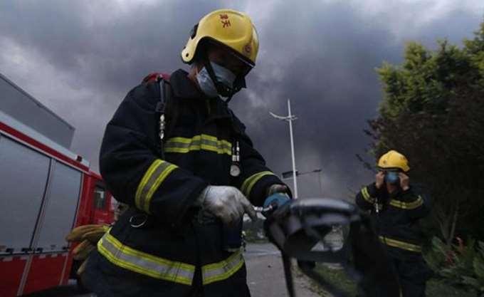 Φλεγόμενο φορτηγάκι χτύπησε πεζούς στην Κίνα
