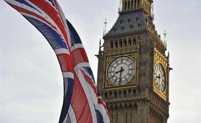 """""""Υπερήφανη"""" για το NHS δηλώνει η πρωθυπουργός Μέι"""