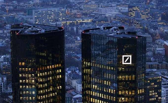 Bloomberg: Η Deutsche Bank εξετάζει συγχώνευση με Commerzbank