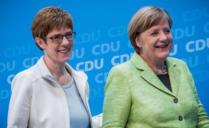Γερμανία-δημοσκοπήσεις: Πρωτιά για την επιλογήτης Μέρκελ για την προεδρία του CDU