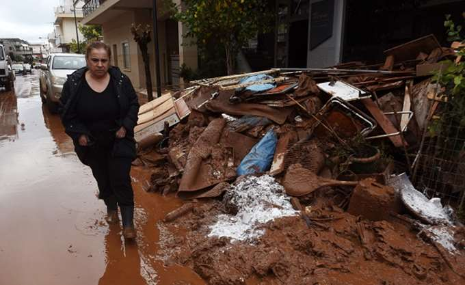 Σε εξέλιξη οι εργασίες αποκατάστασης σε Μάνδρα και Νέα Πέραμο