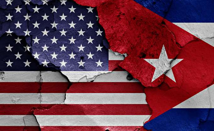 ΗΠΑ: Κυρώσεις στην Κούβα για να σταματήσει να στηρίζει τον Maduro