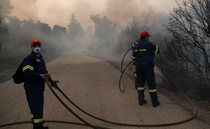 Οριοθετήθηκε η πυρκαγιά στο Μαραθώνα