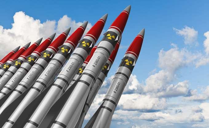 Η νέα κούρσα εξοπλισμών: Στόχος η Κίνα, θύμα η Ευρώπη