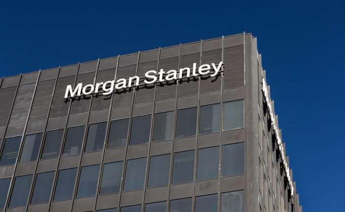 Morgan Stanley: Δυσκολεύουν τα πράγματα για τις ελληνικές τράπεζες