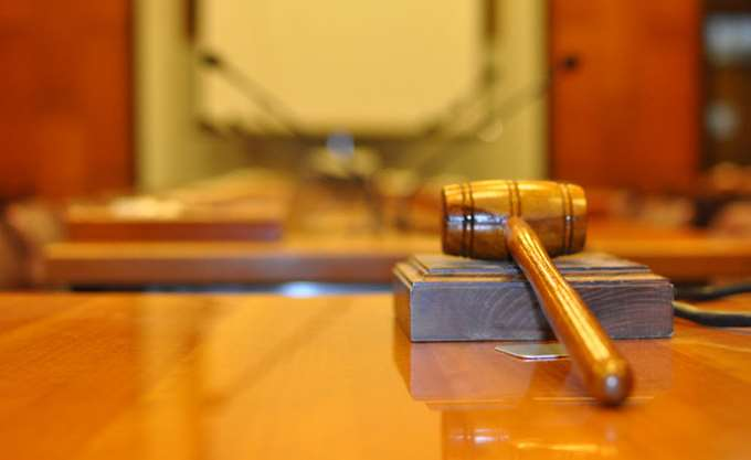Τι απαντά ο πρόεδρος της νομοπαρασκευαστικής επιτροπής για το ν/σ για το θεσμό της διαμεσολάβησης
