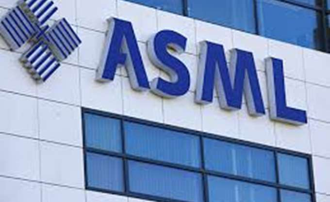 ASML: Αναμένει πωλήσεις 13 δισ. ευρώ μέχρι το 2020