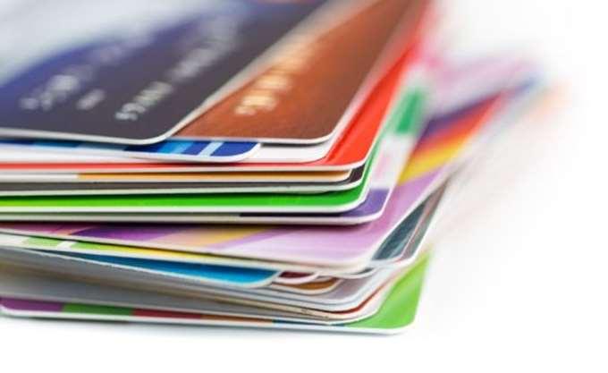 """""""Τέλος"""" στο μπλόκο για συναλλαγές μέσω καρτών με το εξωτερικό"""