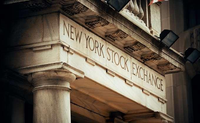Προσπάθεια αντίδρασης στη Wall Street