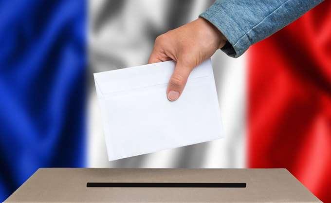 Η Γαλλία μεταξύ της απόλυτης κατάρρευσης και της ανανεωμένης επιρροής