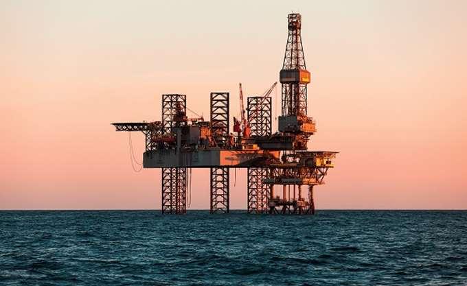 Εβδομαδιαία κέρδη 1% για το αμερικανικό αργό πετρέλαιο