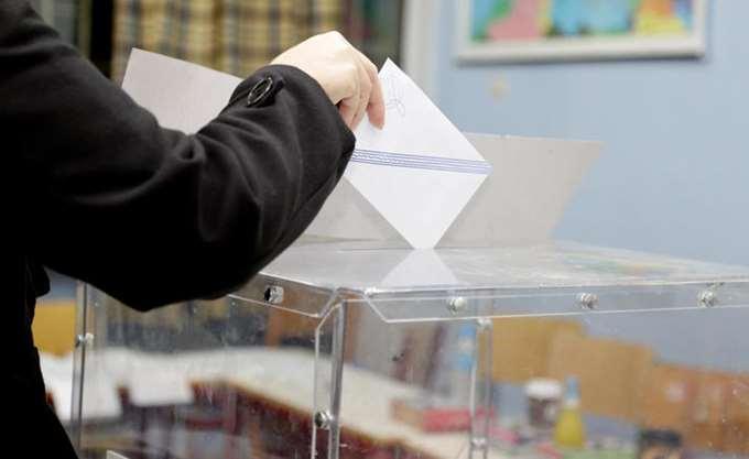 Metron Analysis: Μπροστά με 6,7% η ΝΔ στις ευρωεκλογές