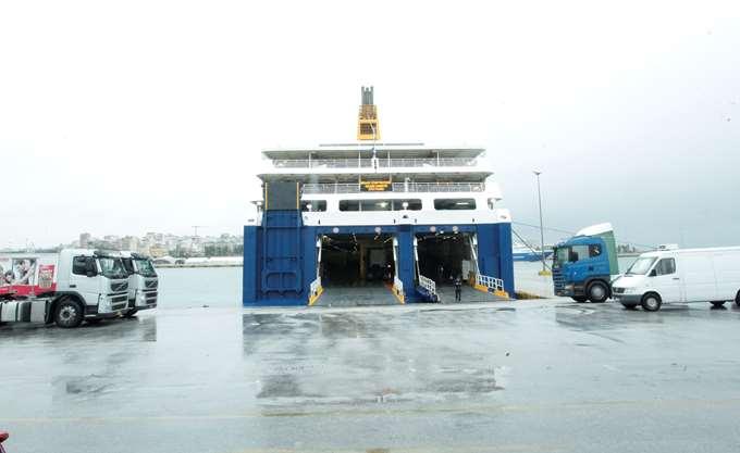 Σε ισχύ παραμένει το απαγορευτικό απόπλου από Πειραιά, Ραφήνα, Λαύριο - 9 με 10 μποφόρ οι άνεμοι