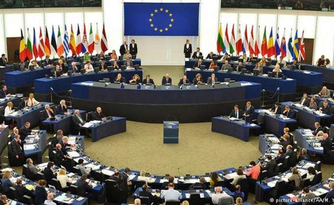 """Γερμανία: """"Πράσινο"""" της Επιτροπής Προϋπολογισμού της Bundestag για τη δόση των 15 δισ."""