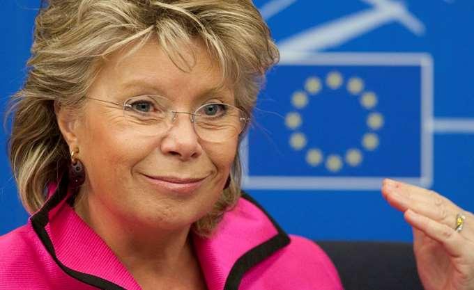 Ρέντινγκ: Το Ευρωπαϊκό Λαϊκό Κόμμα θα καταστραφεί εάν υιοθετήσει τον δεξιό λαϊκισμό