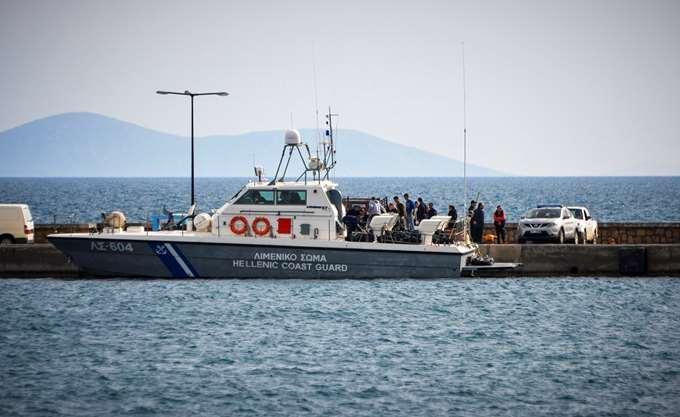 Τουριστικό σκάφος με 69 μετανάστες εντοπίστηκε από το λιμενικό στα Κύθηρα