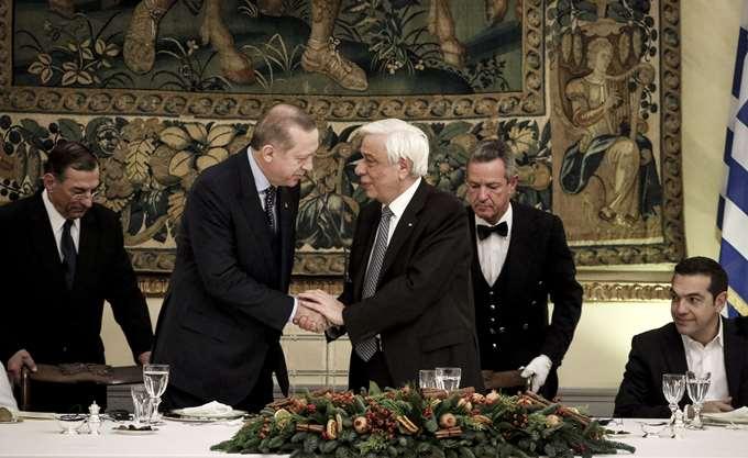 Παυλόπουλος: Μας ενώνουν πιο πολλά από όσα μας χωρίζουν- Ερντογάν: Πολύτιμη η στήριξη της Ελλάδας