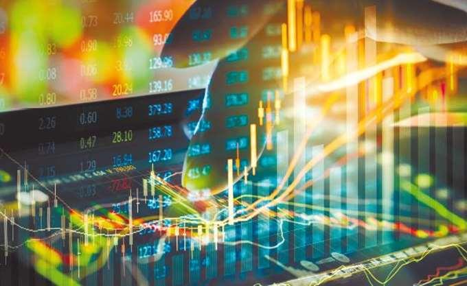 Σημαντική επιδείνωση στα ελληνικά ομόλογα – ανησυχούν οι επενδυτές για τις παροχές