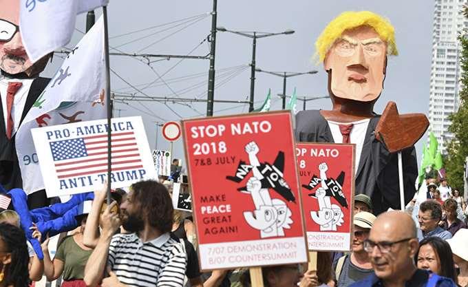 Βέλγιο: Διαδηλωτές πραγματοποιούν πορεία κατά του Ντ. Τραμπ στις Βρυξέλλες