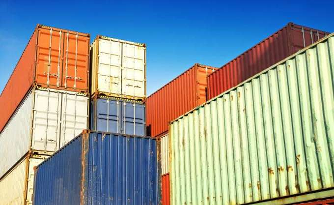 Οι βρετανικές εξαγωγές κινδυνεύουν να αποκλειστούν σε λιμάνια ανά τον κόσμο