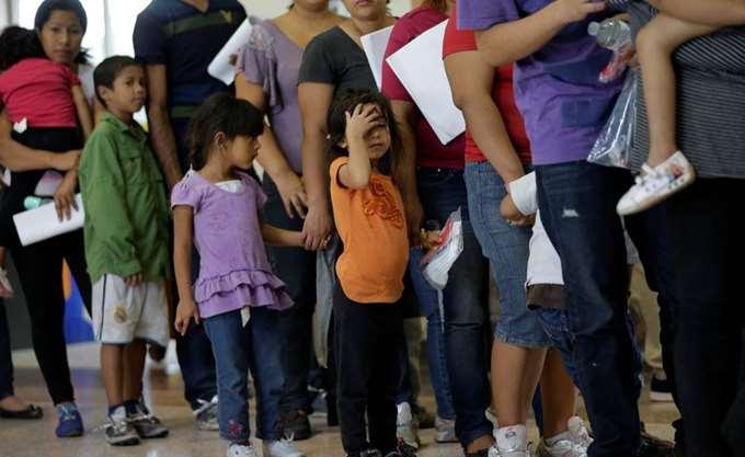 ΗΠΑ: Σε εξετάσεις DNA θα υποβάλλονται οι μετανάστες που θέλουν να μπουν στη χώρα