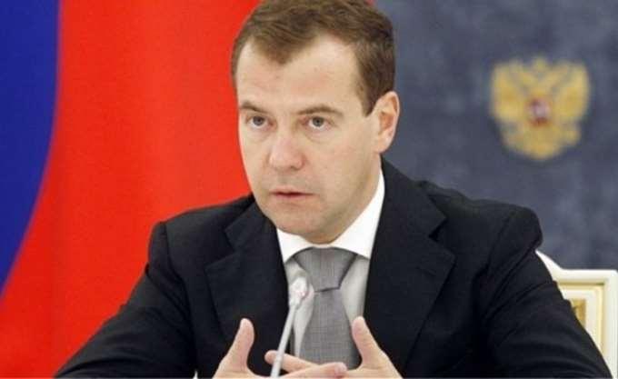 Μεντβέντεφ: Δύσκολα τα επόμενα έξι χρόνια για τη ρωσική οικονομία