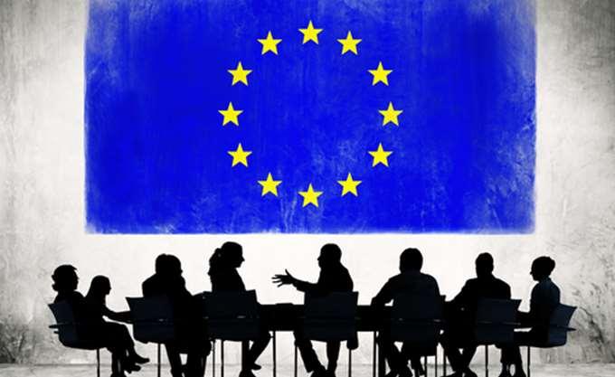 Ευρωπαίος Αξιωματούχος: Τελικός κριτής της λύσης θα είναι οι αγορές