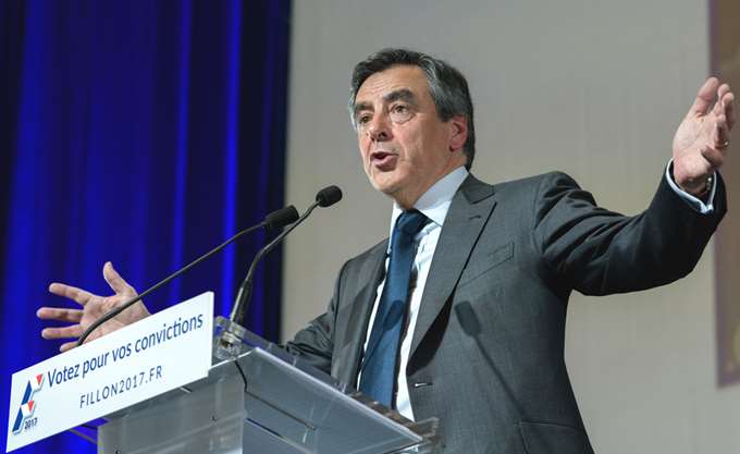 Γαλλία: Δικαστές παραπέμπουν σε δίκη τον πρώην πρωθυπουργό Φρανσουά Φιγιόν και τη σύζυγό του