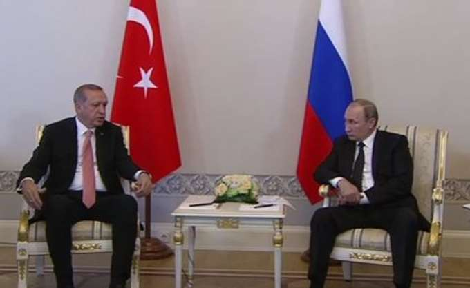 Πούτιν: Με τους Τούρκους συνεργαζόμαστε πιο εύκολα απ' ό,τι με τους Ευρωπαίους