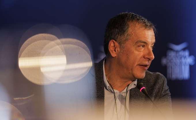 """Στ. Θεοδωράκης: """"Επιβεβλημένες"""" οι συναντήσεις Κοτζιά με τους πολιτικούς αρχηγούς"""