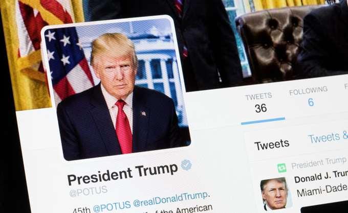 Σύμβουλοι του Τραμπ τον παρότρυναν μάταια να μη συγχαρεί τον Πούτιν